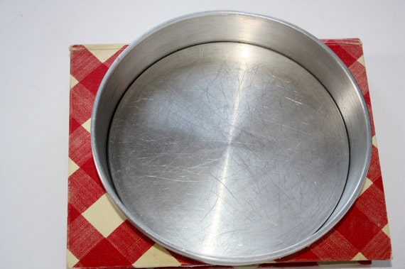 Vintage Mirro 8 Round Cake Pan With Removable Bottom