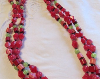 1950-60's Red Beaded Colorful Necklace