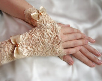 Wedding Gloves, Beige Gloves,Ivory  Bridal Gloves, Bridesmaid Gloves, Bridal Gloves, Lace Gloves, Modern Gloves, Bridal Gloves