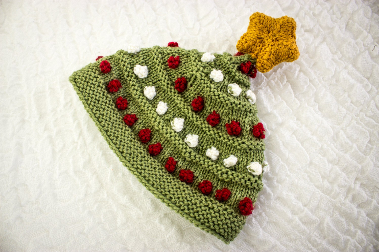 Knitted Christmas Tree Hat Pattern : KNITTING PATTERN Knitted Baby Christmas Tree Hat Hat With