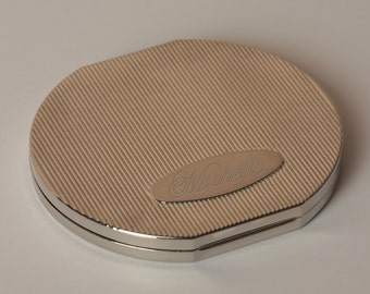Round Compact Mirror with Free Engraving