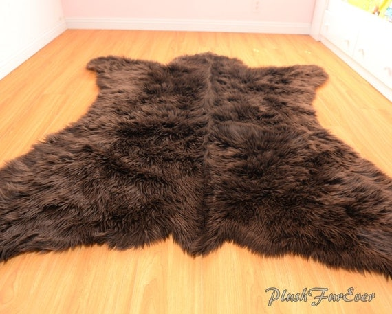 grizzly brown bear rug 5 x 6 realistic shape faux fur area rug. Black Bedroom Furniture Sets. Home Design Ideas