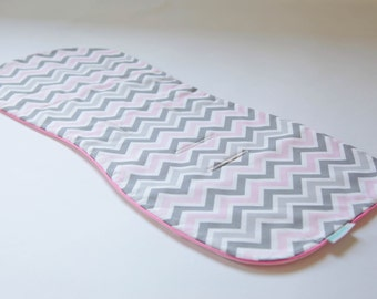 Universal, Natural and Reversible Pram Liner / Stroller Liner - Pink/ Grey Chevron with Candy Pink Piping, Bugaboo, Peg Perego, etc