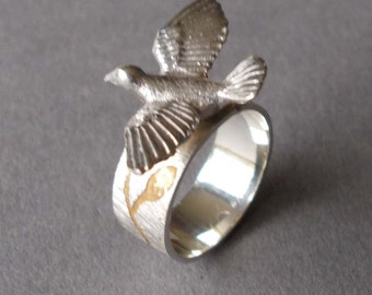 Silver Dove ring with gold plated etching