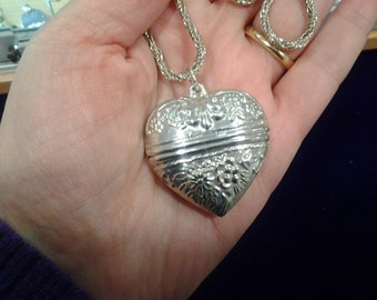silver heart box pendant