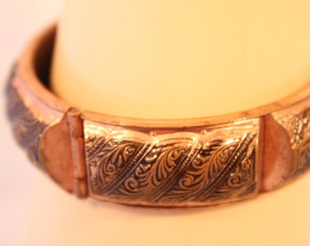 Pure COPPER VINTAGE BANGLE,Beautiful  plume scroll work.