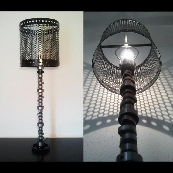 articles similaires fait sur commande d 39 arbre cames lampe avec abat jour m tal automobile. Black Bedroom Furniture Sets. Home Design Ideas
