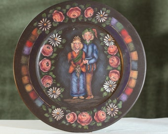 Vintage hand painted GERMAN perhaps POLAND wood collector PLATE