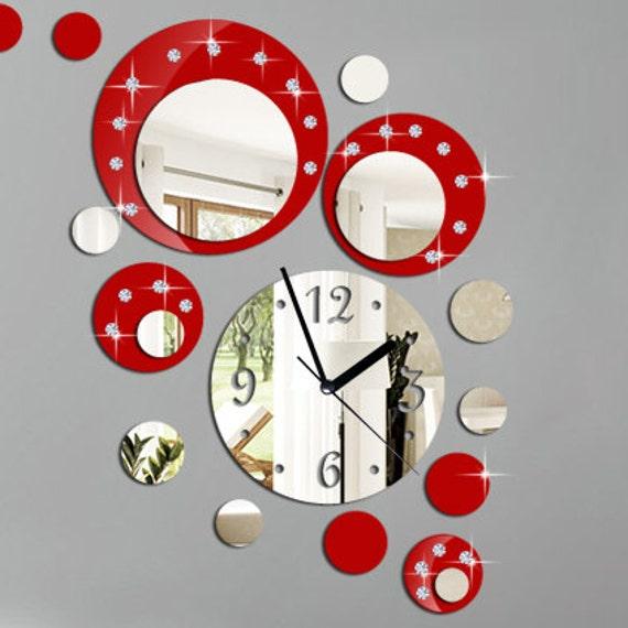 Rouge horloge murale moderne et miroir avec pierre par for Horloge design pour salon