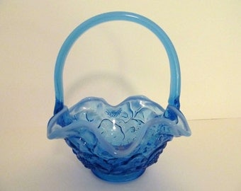 Vintage FENTON Water Lily Pattern Blue GLASS BASKET / Indiana Glass / Collectible Glass / Vintage Glass Bowl