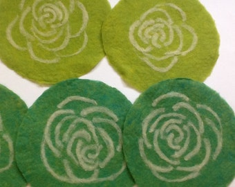 felt placemat with a rose, green