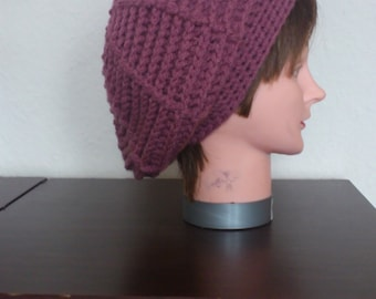 """crocheted hat in the color """"blackberry"""""""