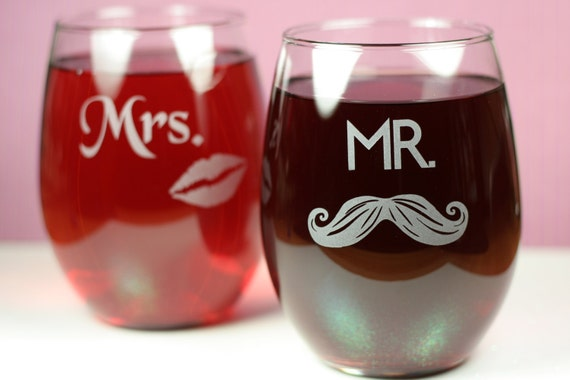 Mr & Mrs Set of Etched Stemless Wine Glasses (set of 2), wedding gift, couple gift, wine gift, mustache glass, lips