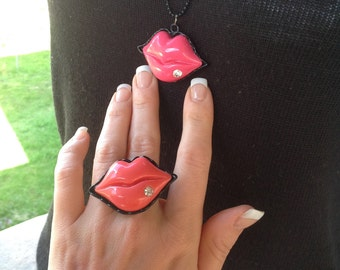 Necklace set, rings and earrings Marilyn lips