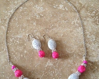 Posy pink and faux white turquois necklace and earring set ok 02/07/17