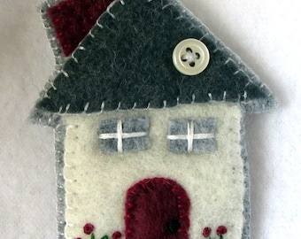 Red Door House Pin  Little house Brooch  Wool Felt  Felt pin