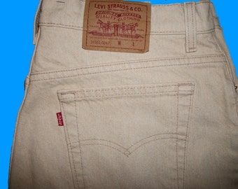 Levis Vintage Size 18 M   Made in the USA