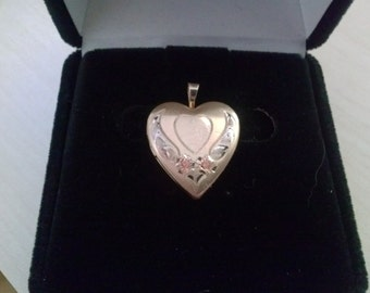 Gorgeous14KT Yellow Gold Pendant Charm Heart Locket