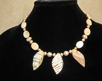 Mermaid's Garden - Mother of pearl necklace.