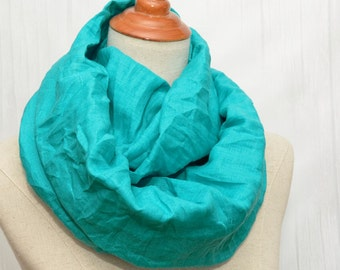 Linen Infinity Scarf. Chunky Scarf. Natural Linen. Turquoise.