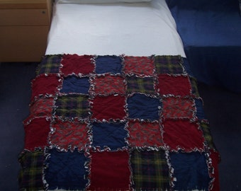 Rag quilt,medium sized lap quilt, red, blue and green linen and cotton flannel fabric, soft and cosy