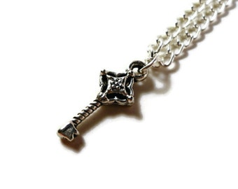 Silver Key Necklace, Skeleton Key Necklace, Steampunk Necklace, Metal Chain Necklace, Pendant Necklace, Teen and Women's Jewelry, Gift Idea