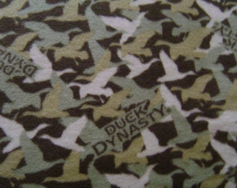 Duck Dynesty Fleece Blanket