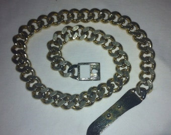 CURB CHAIN Belt - Beautiful Vintage GOLD Tone solid link Chain belt !  1970's   Brushed Gold Adjustable