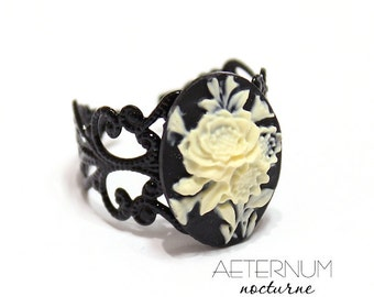 Cream flowers Gothic Ring - in black with cameo - Victorian Gothic Jewelry