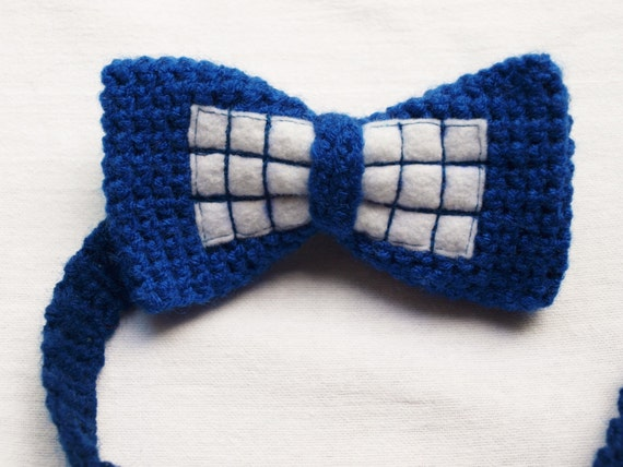 crochet tardis bow tie by loopteeloops on etsy