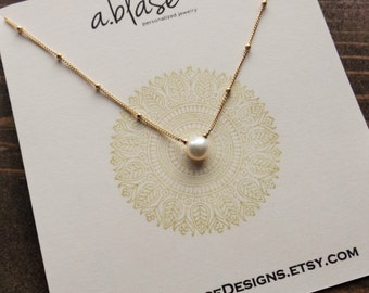 Solitaire Pearl and Gold Filled Satellite Chain Necklace