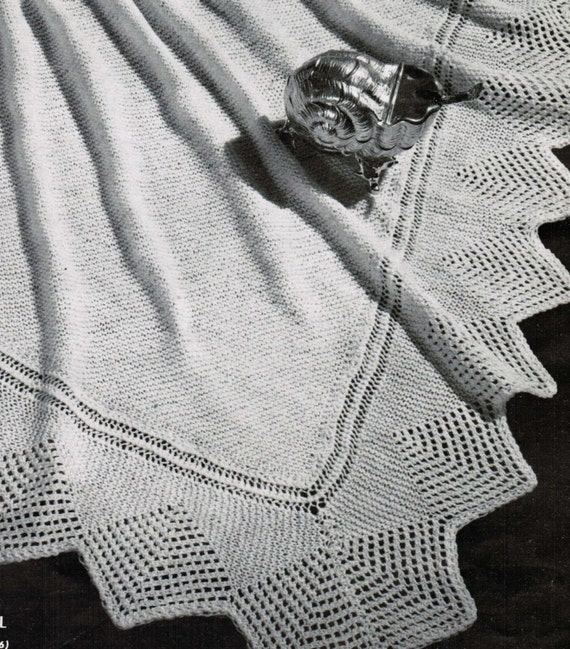 Knitting Patterns Shell Lace : Square Shell Shawl Lace Border Vintage Pattern PDF / Knitted