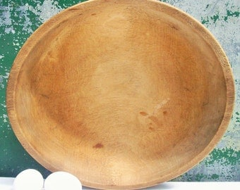 Vintage Wooden Kitchen Bowl / by Munsing