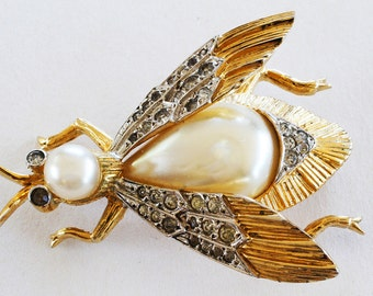 Vintage Nettie Rosenstein Insect Brooch Pin Jewelry Rhinestones and Glass Pearl Brooch in Gold Toned Metal