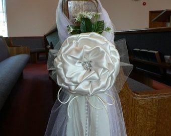Ivory Pew Bows, Chair Bows, Elegant Wedding Bows Church Aisle Decorations