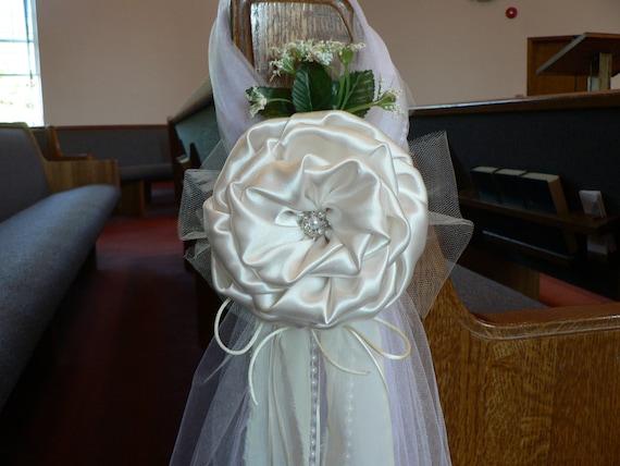 Ivory pew bows chair bows elegant wedding bows church aisle - Bow decorations for weddings ...