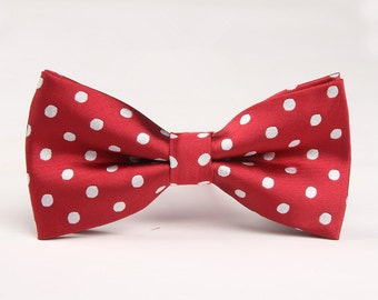 Red Bowtie With White Dots.Mens Bow Tie.Bowtie for Party.Wedding Bowtie.Silk Bowtie.