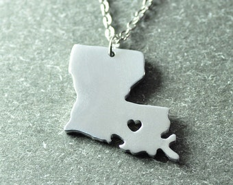 Free shipping - I  heart Louisiana  Necklace - Louisiana  Pendant - State Necklace - State Charm - Map necklace - Map Jewelry