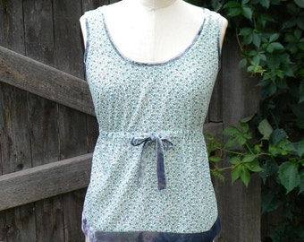Cotton floral sleeveless top in Small