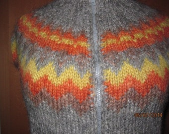 Plant Dyed !! Grey hand dyed traditional Icelandic sweater. Adult sweater hand knitted out of pure Icelandic lambs wool