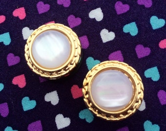 Gold & Pearly Gem Plugs- 8mm,10mm,12mm,14mm,16mm,18mm (0g,00g,1/2,9/16,5/8,11/16)