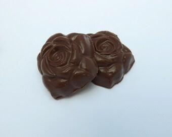 Solid or Nutella filled Milk Rose Medallions