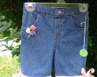 Girl's upcycled denim shorts, blue, size 4T, rose and lace trim