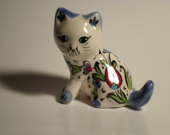 Hand Made Ceramic Cat --- Tulips Painting - FREE SHIPPING