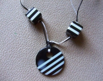 Black-and-white striped necklace
