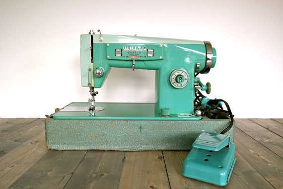 vintage sewing machine brands