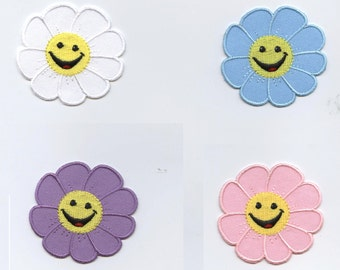 Smiling Daisy Iron on Applique 696410