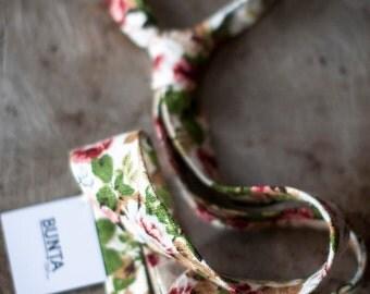 Bunta Thanksgiver floral tie