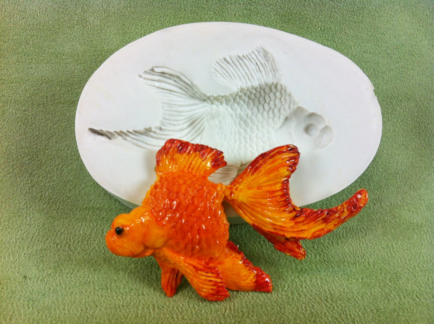 Tropical fish 2 silicone mold for fondant gumpaste for Silicone fish molds