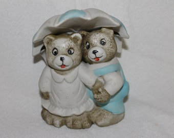 Vintage Two  Loving Bears, Ma and Pa Bears, Collectibles w Umbrella, Figurines, Home Decoration, Collectibles, Colorful, Detailed